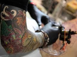 tattooist at work