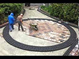 how to build a circular paver patio