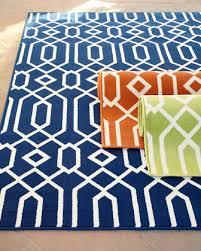 geometric twist indoor outdoor rug 6 7 x 9 6
