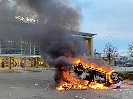 Chaos en plunderingen bij coronarellen in Eindhoven | Binnenland