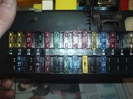 mk5 escort fuse box new box but now bigger problem help some pictures of the box and the problems