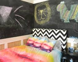 Creative Kidu0027s Bedroom With Chalkboard Wall