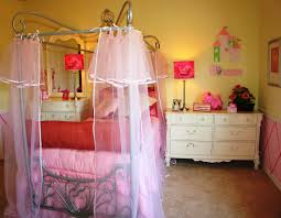 Princess Bedrooms For Girls Must Have Princess Bedroom Set To Include