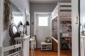 House Tour A Tiny Maximalist Chicago Studio Apartment | Apartment ...