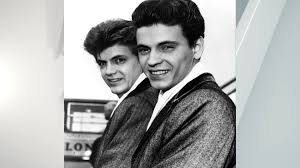 Brothers don and phil everly released the song in 1960. Wbytsbvkikrsbm