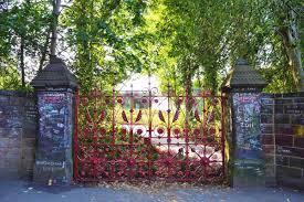 Strawberry Fields, o jardim secreto de John Lennon, é aberto aos fãs    Música   G1