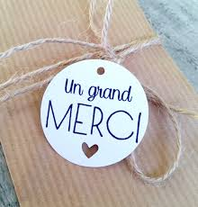 Étiquette remerciement pastille ronde UN GRAND MERCI - découpe coeur |  Little Mandarine
