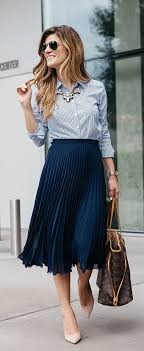How To Incorporate Trends At Work - Dressing Stylish Yet ...