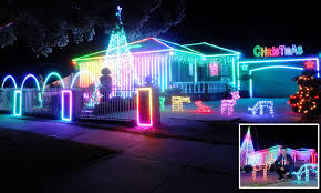 Gangnam Style Christmas Lights Perth Annoying Christmas Lights Man Spends Weeks Setting Up