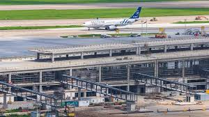 New Pudong Airport Satellite Terminal Receives Building