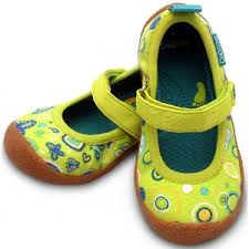 Chooze Dance Mary Janes In Giggle Lime Fabric