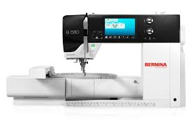 BERNINA 580 – Now with expanded accessories - BERNINA & Wide selection of stitches, embroidery designs and functions Adamdwight.com