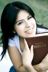 Resultado de imagen de biblia y joven