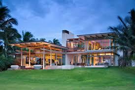 A beautiful tropical home on the Hawaiian island of Maui draws in fresh sea  breezes to