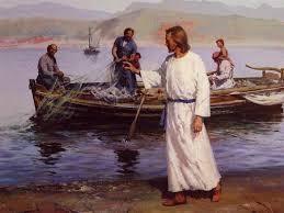 Resultado de imagem para E ele disse aos seus discípulos que lhe tivessem sempre pronto um barquinho junto dele
