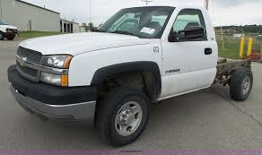 2003 Chevrolet Silverado 2500HD pickup truck cab and chassis...