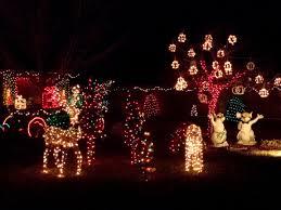 Cushty Istock 14036626 Lights Front Yard Winter Wonderland Tree ...