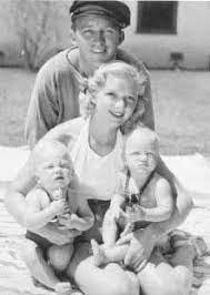 Dixie Lee Crosby (1911 - 1952) - Find A Grave Memorial   Bing crosby, Old  hollywood actors, Crosby