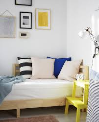 a day bed is the perfect solution for a living e that converts to a bedroom