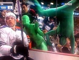 Green men sinking ship : Pin By Michelle Armstrong On Sports Fan Bases Of The World Vancouver Canucks Canucks Canada Hockey