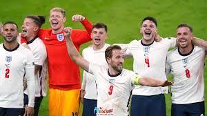 ضربات ويخطئ منتخب إنجلترا ضد الدنمارك: جاريث ساوثجيت ، أنت الوحيد   أخبار  كرة القدم