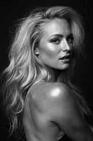 Alexandra Mack