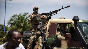 Mali's military has taken over mali's military forces seem to be more focused in the country's politics, instead of tackling the. Afrikanische Union Suspendiert Mali Aktuell Afrika Dw 02 06 2021