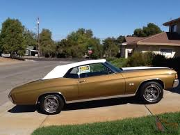 Chevrolet Chevelle Malibu SS Convertible, Gold w/ White Racing Stripes
