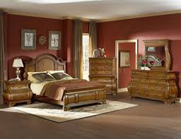 Warm color scheme. Bedroom. Orange. Interior design tips. Complementary.  Analogous.