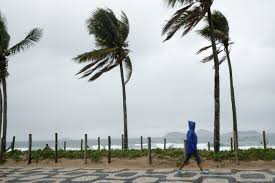 Chegada de nova frente fria no Rio trará chuva e ressaca do mar - A Semana  News
