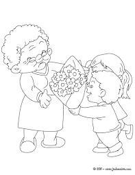 Coloriages Grand M Re Au Bouquet De Fleurs Colorier Fr