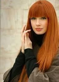 Jaké Barevné Oblečení Zbarví červeně Barva šatů Pod Rudými Vlasy