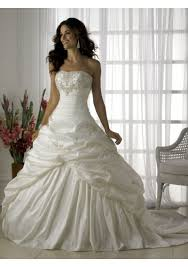 hoop skirt dilemma weddingbee Wedding Dress With Hoop this is what i want my dress to look like what kind of hoop skirt do i need to buy? do i also need to buy a slip? i'm so confused! wedding dresses with hoods