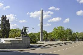 Памятник 1200 гвардейцам в Калининграде Памятник-обелиск героям-гвардейцам  - Достопримечательность