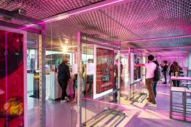 Grazia Design Gallery Of Fluctuart Art Gallery Seine Design 7
