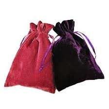 Resultado de imagen de bolsa y caja para guardar el tarot
