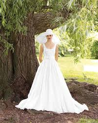 Perfect Gowns For An Outdoor Wedding Martha Stewart Weddings Dresses For Garden Wedding