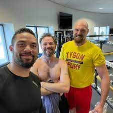 Watch Tyson Fury's cousin Andy Lee land ...