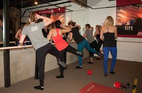 if you re ping around for a new workout to sink your teeth into you may have heard about or even tried barre workouts