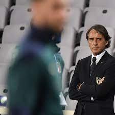Italiens Roberto Mancini - Reformer vor dem Fernseher - Nations League -  Fußball - sportschau.de
