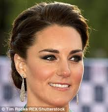 kate at the royal albert hall in 2016 sporting heavy eye make up