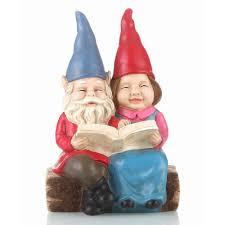 hi line gift gnome couple reading on bench