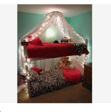 LIGHT UP BUNK BED CANOPY on The Hunt