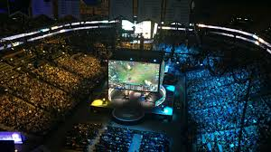 two weekends in boston showed two very diffe scenes in competitive gaming