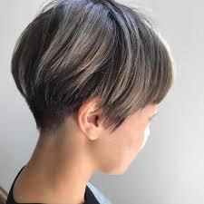 丸顔女性に似合うレディースベリーショート18選黒髪前髪なしヘア