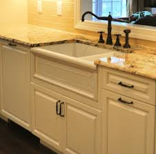 Kitchens With Farmhouse Sinks Farm Sinks For Kitchens Lowes Zitzat In Lowes Farmhouse Sink
