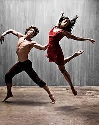 Танец модерн Википедия Модерн обычно исполняется босиком