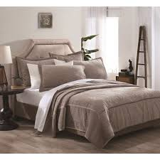 Overstock Bedroom Furniture Sets Vanderbilt 3 Piece Velvet Embroidered Quilt Set Quilt Sets