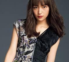 川口春奈の髪型から三角形顔に似合うng小顔ヘアを解説