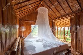 Ländliches Schlafzimmer Mit Himmelbett Bambus Dekoriert Sehr